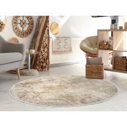 Béžovo zlatý koberec...
