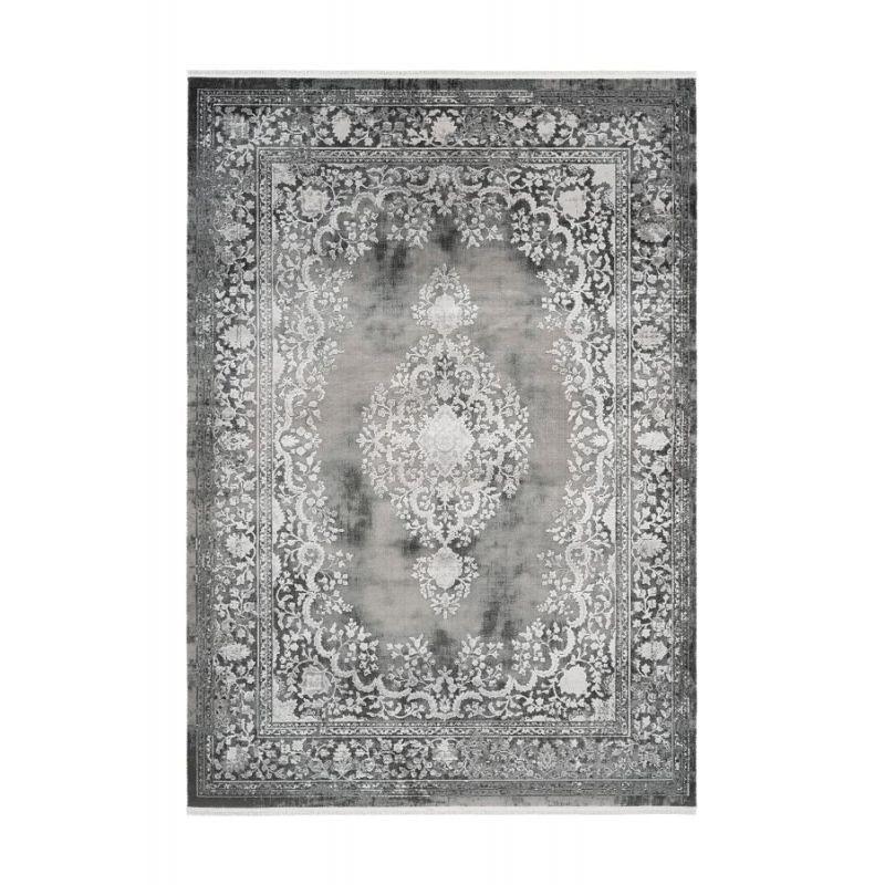 Moderný dizajnový koberec od dizajnéra Pierre Cardin s orientálnym motívom.