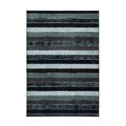 Extravagantný tmavý koberec s modrými pásikmi vyrobený zo 100% recyklovaných PET fliaš.