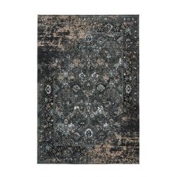 Extravagantný tmavý koberec orientálnym vintage motívom. Vyrobený zo 100% recyklovaných PET Fliaš.