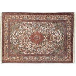 Klasický koberec v hnedej...